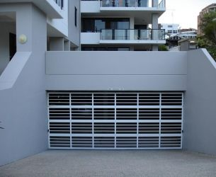 Garage-Doors-Sunshine-Coast-1