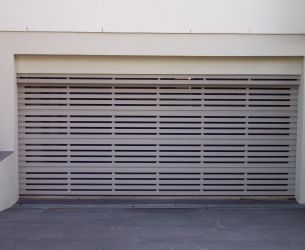 Aluminium Panel Lift Doors 002 Flat Box Slats