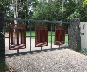 sliding gate in cedar with perspex 2 - 77911