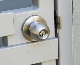 gate handle round lock