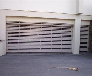 Aluminium Panel Lift Doors 005 Flat Box Slats