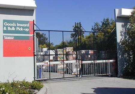 cmomercial-gates4